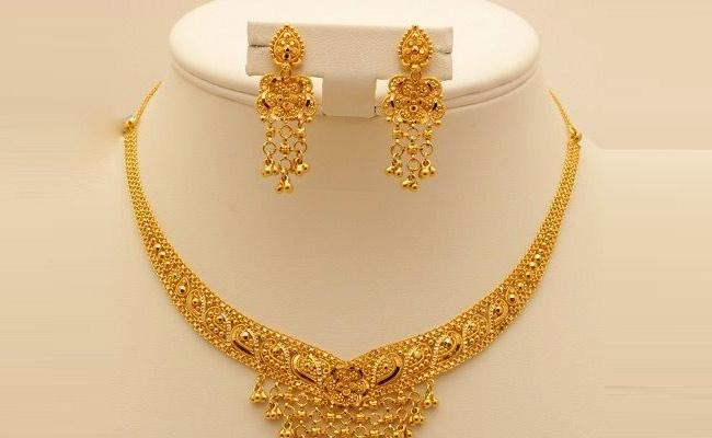 Today Gold And Silver Rates in Hyderabad: Check Delhi Rates Here - Sakshi