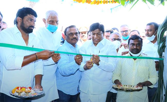 Boinpally Vinod Inaugurates YSR Foundation Water Plant In Luxettipet - Sakshi