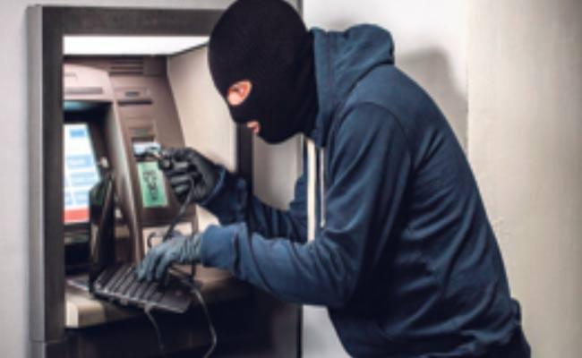 Spain Cyber Gang Looting ATM Machine In Bengaluru - Sakshi