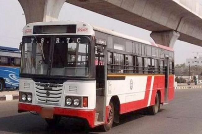 Hyderabad City Buses Not Follow Time Schedule After Lockdown - Sakshi