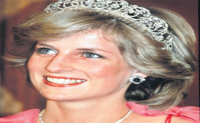 Unseen Letters Written By Princess Diana - Sakshi