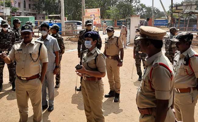 TDP Kidnap Drama In Anantapur District - Sakshi