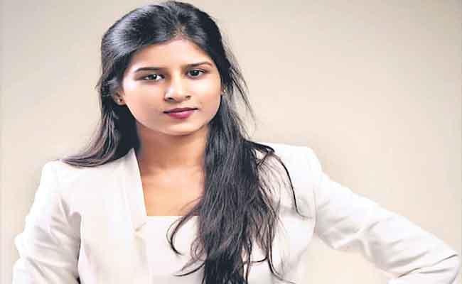 Hyderabad Girl Keerthi Reddy In Forbes List - Sakshi