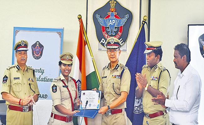 DGP Sawang comments at awards ceremony for the police - Sakshi