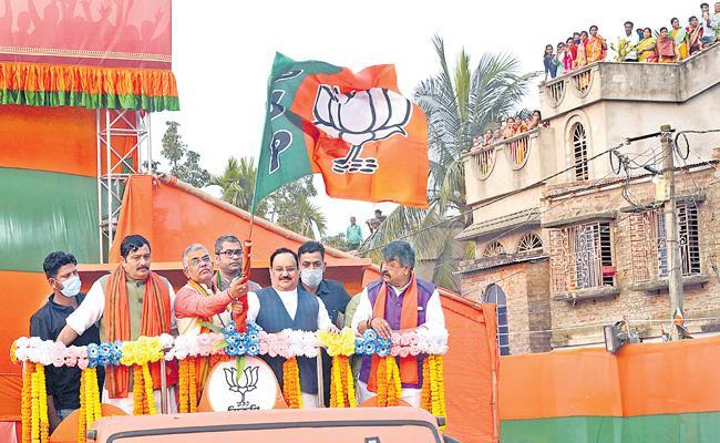 BJP President JP Nadda kickstarts parivartan yatra in Bengal - Sakshi