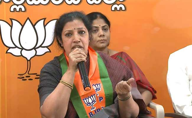 Purandeswari Said Would Try To Stop Privatization Of Visakha Steel Plant - Sakshi