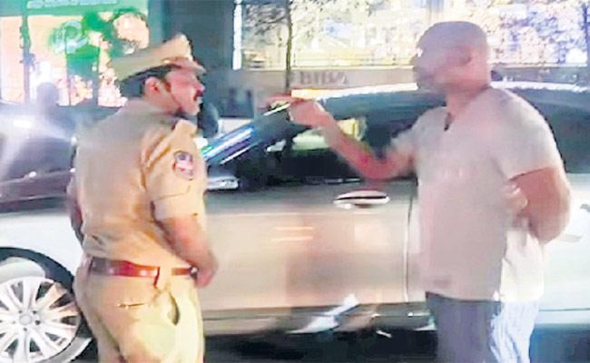 HYD: BJP MP Dharmapuri Arvind Fires On Police - Sakshi