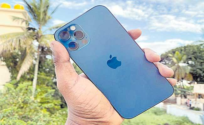 Apple starts iPhone 12 assembly in India - Sakshi