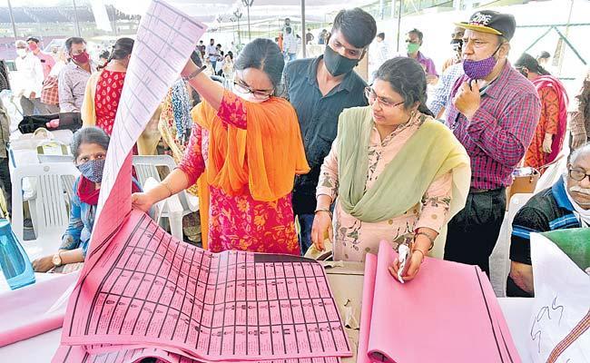 All Sets: Today Telangana Graduate MLC Elections - Sakshi