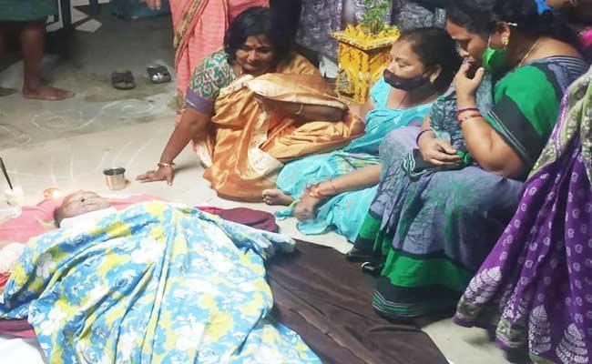 Councilors Husband Deceased In Amalapuram - Sakshi