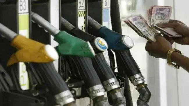 Centre Admits to Earning Rs 33 Per Litre From Petrol And Rs 32 From Diesel - Sakshi