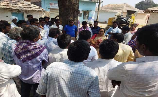 Village Administration Deportation A Family In Nizamabad - Sakshi