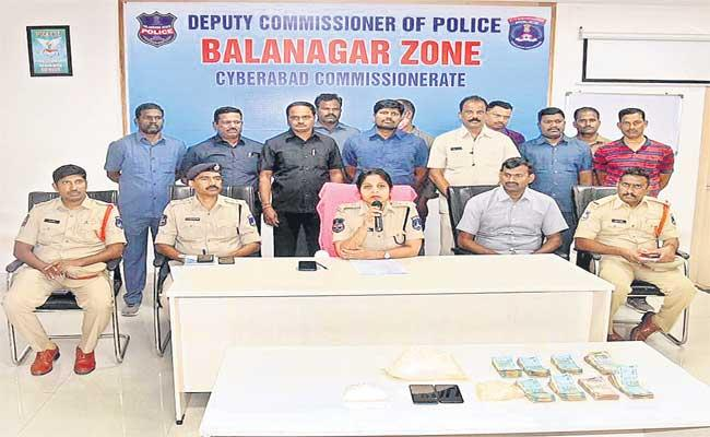 Police Held PHD Man And 2 Other Seized Above Rs 8 Crore In Hyderabad - Sakshi