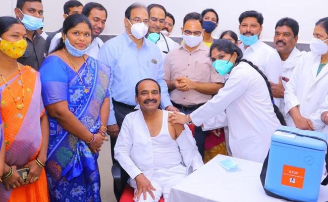 Telangana, Andhra Pradesh Top Place In Corona Virus Vaccin Wastage  - Sakshi