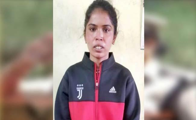 Woman Cheated Young Man With Marriage Proposal Looted Money And Gold  - Sakshi