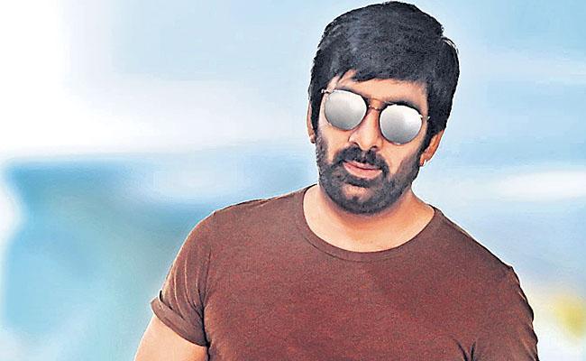 Ravi Teja May Act In Malayalam Remake Driving License - Sakshi