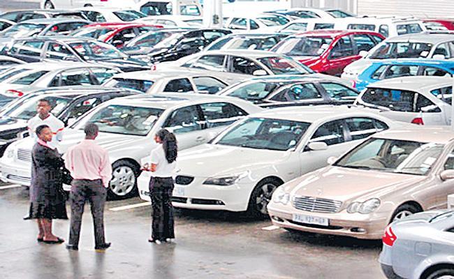 Maruti, Tata Motors post double-digit growth in February - Sakshi