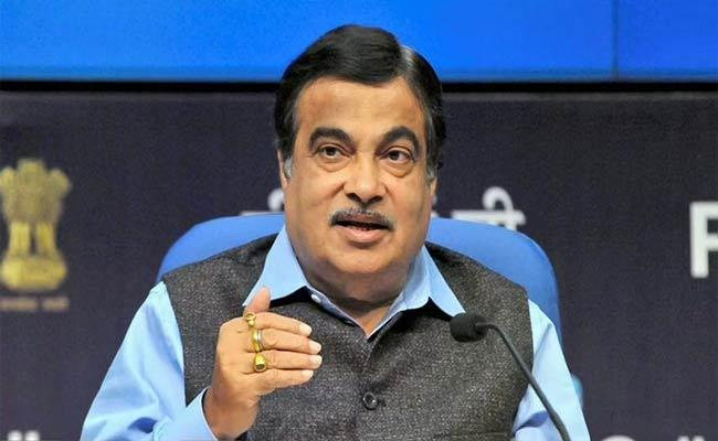 Mandatory Fastag To Save 20,000 Crore Per Annum On Fuel - Sakshi