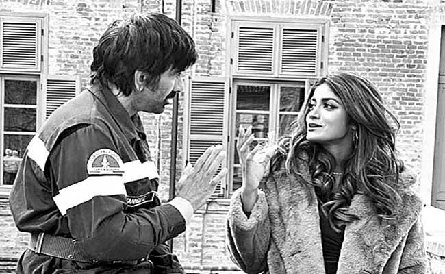 Ravi Teja Khiladi Shooting At Itali - Sakshi