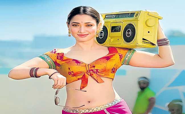 Tamanna Finishes Dubbing for Seetimaarr - Sakshi