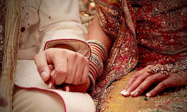 Saudi Arabia Bars Men From Marrying Women From Pak And 3 Other Nations - Sakshi