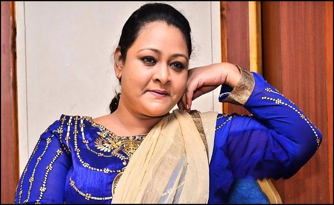 Shakeela Opens up About her Transgender Daughter For The First Time - Sakshi