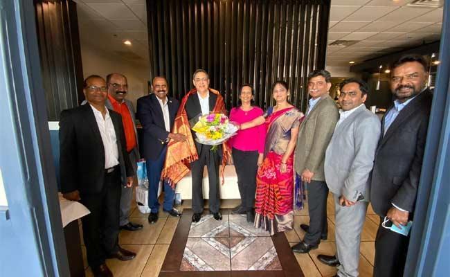 Telugu Leaders Felicitates Hon Consul General of India Mahajan - Sakshi
