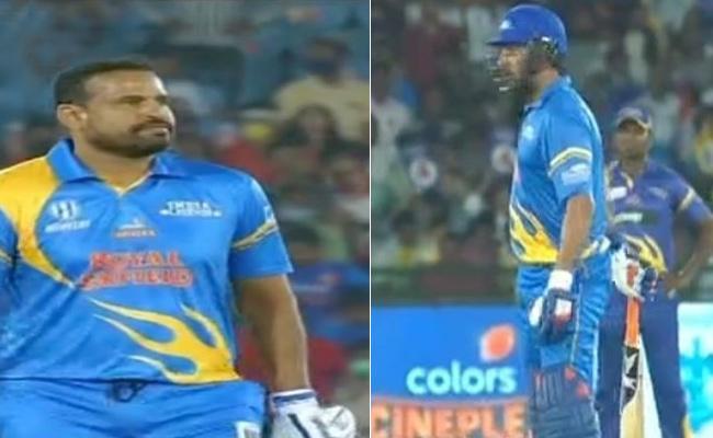 India Legends Set Taret Of 182 Runs Against SL Legends - Sakshi