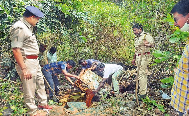 Special Enforcement Bureau Destroys Natu Sara Dens In AP - Sakshi