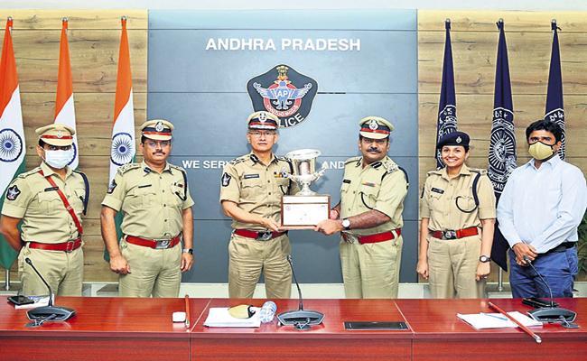 125 awards nationally for the AP police department - Sakshi