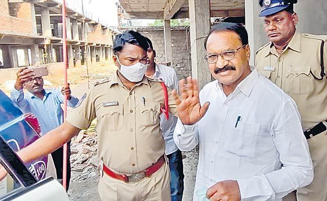 TVS President Ravinder Rao Arrested In Ramakrishnapur - Sakshi