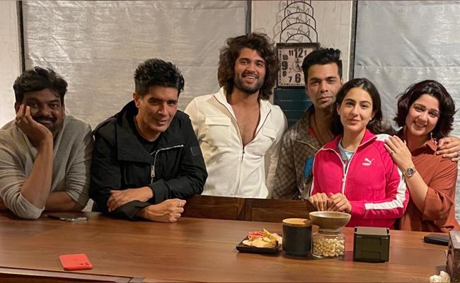 The Joyful Vibes Vijay devarakonda LIGER At Mumbai - Sakshi