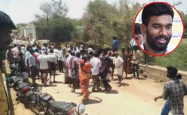 Police Case Filed On TDP Leader Paritala Sriram In anantapur - Sakshi