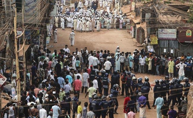 Four Killed In Cittagang: Protest On Narendra Modi Bangladesh Visit - Sakshi