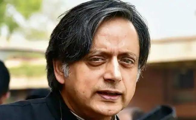Shashi Tharoor Admits Mistake On PM Modi Speech - Sakshi