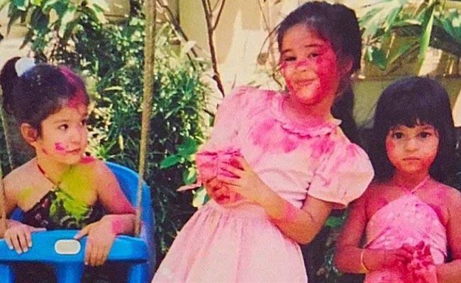 Holi 2021: Ananya Panday Shares Unseen Holi Photo From Childhood - Sakshi