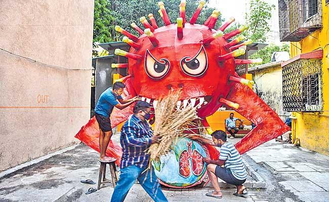 Maharashtra CM Uddhav Thackeray in Favour of COVID-19 Lockdown - Sakshi