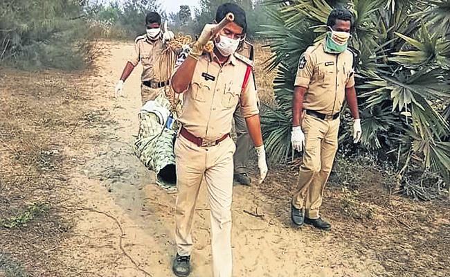 Gautam Sawang Comments On Rambilli, Srisailam Police Services - Sakshi
