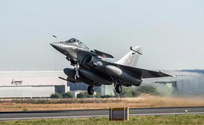 Three Rafale Fighter Jets To Land In India - Sakshi