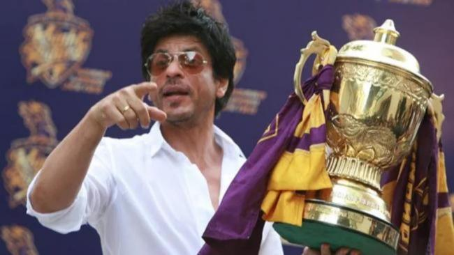 IPL 2021 Shah Rukh Khan Gives Witty Reply to Fan Question Over Title - Sakshi