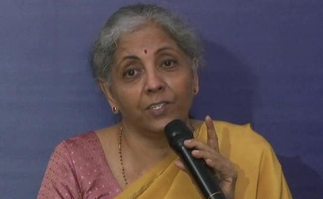 Nirmala Sitharaman: Central Govt in Dharmasankat over Fuel Prices - Sakshi