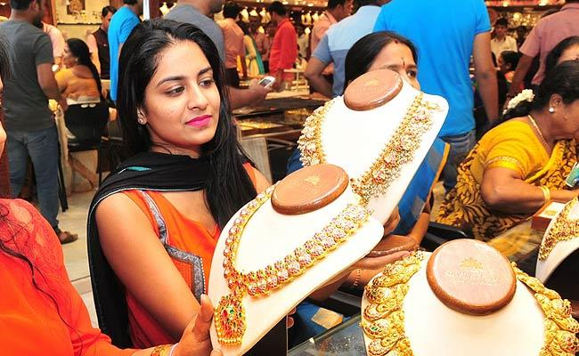 Today Gold and Silver Price in Hyderabad, 1st April 2021 - Sakshi