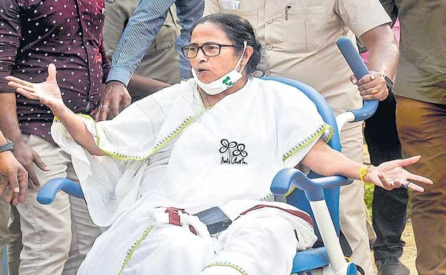 Mamata Banerjee writes to leaders of over a dozen parties - Sakshi