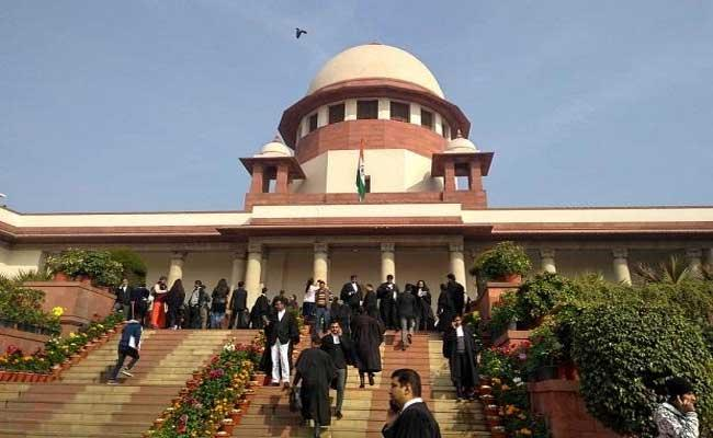 Supreme Court-appointed committee submits report on agricultural laws - Sakshi