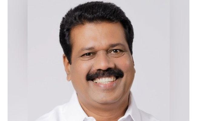 UDF Contestant Tests Positive He Went Isolation - Sakshi