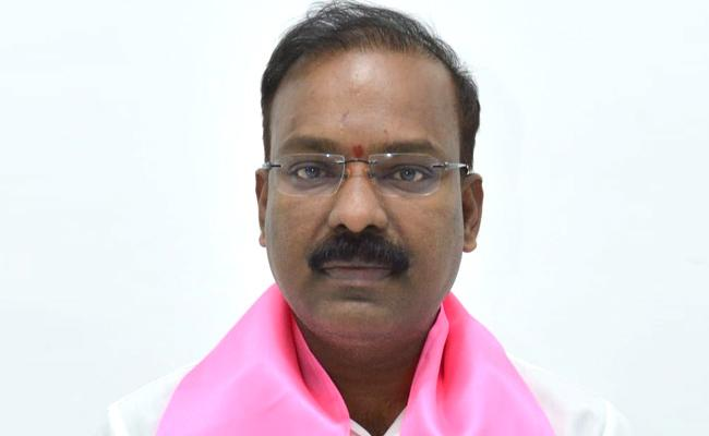 BJP Leaders Complained To Police That Peddapalli MP Venkatesh Is Missing - Sakshi