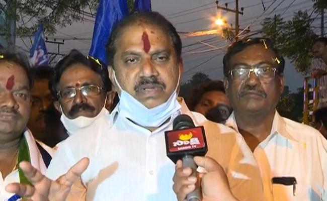 Vote For Gurumurthy In Tirupati MP By Election Called Brahmin Association - Sakshi