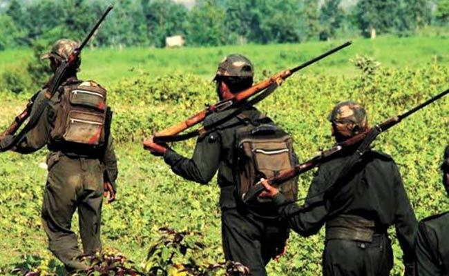 Maoists Kidnap Three Medical Staff In Bijapur - Sakshi
