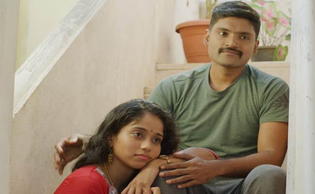 Ottam Movie Villain Helps To Heroine Aishwarya In Bangalore - Sakshi