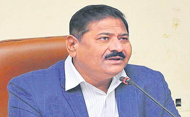 Telangana SEC Parthasarathi Tests Positive For COVID-19 - Sakshi